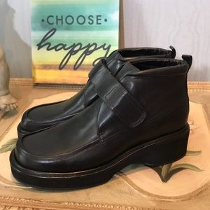 Kenneth Cole Reaction Booties 7.5M